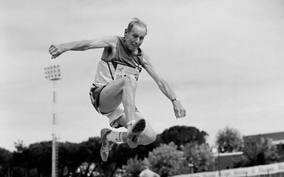 Saltador da divisão de 80 a 84 anos, tirada em 2007 na Itália