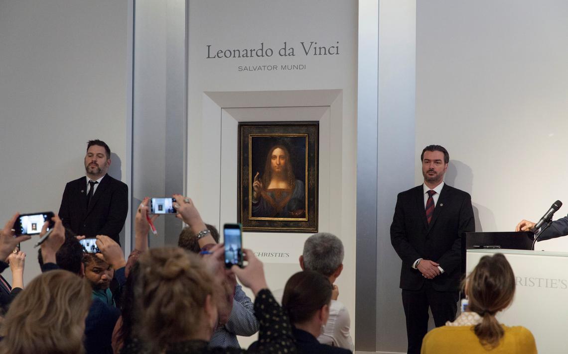'Salvator Mundi', pintado em cerca de 1500 por Leonardo da Vinci, é exposto em outubro de 2017, antes do leilão em Nova York