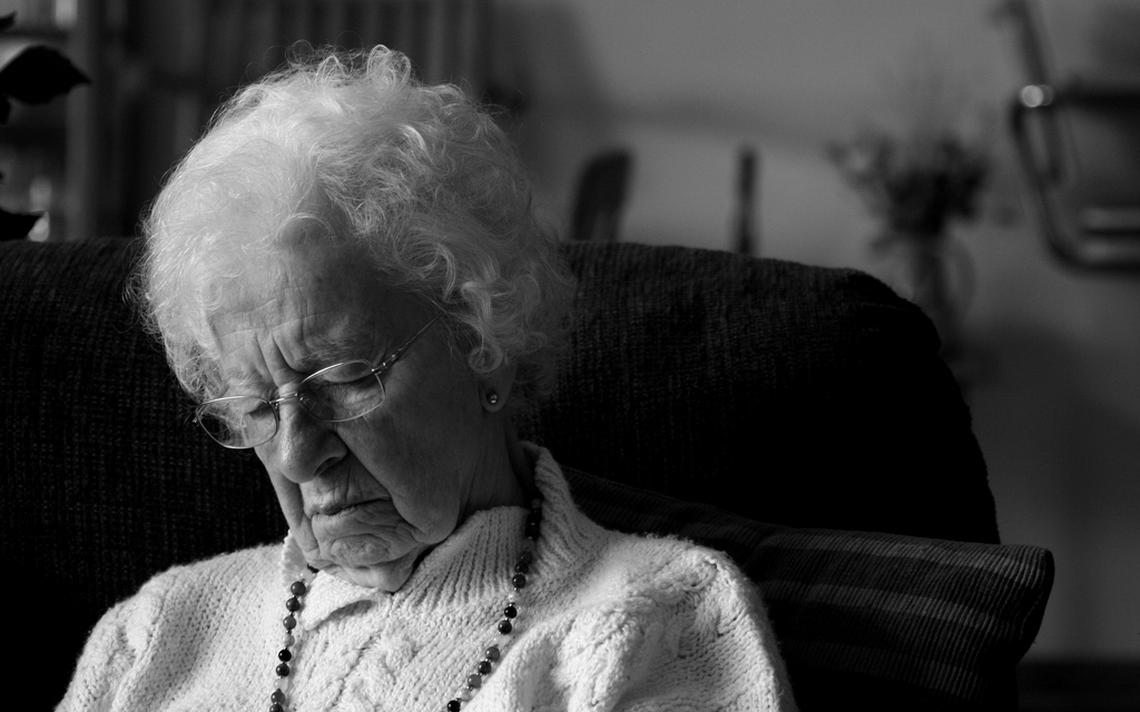 Por questões biológicas, idosos dormem mais cedo e acordam mais cedo