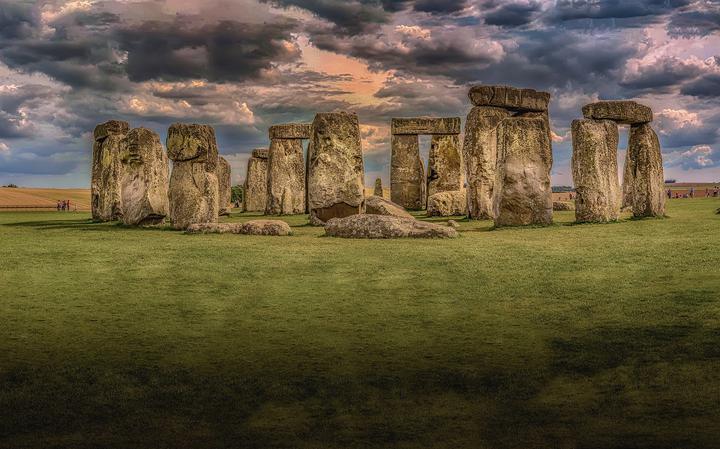 O que é o monumento Stonehenge. E quem o construiu