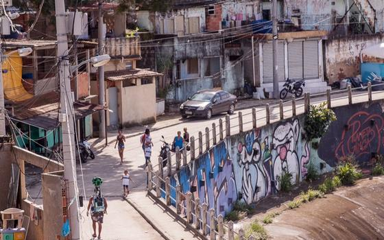 Tour virtual nas favelas do Rio: os avanços e as limitações do novo serviço do Google