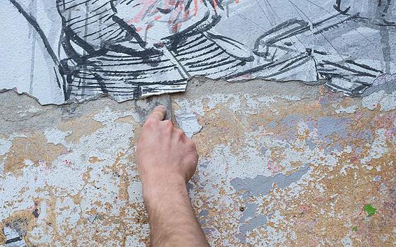 Por que Blu, um dos mais importantes grafiteiros do mundo, está apagando seus murais