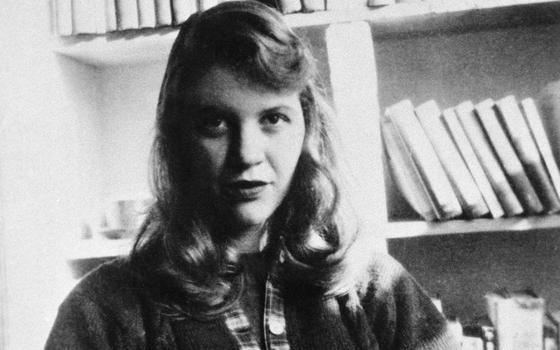 O que os itens leiloados de Sylvia Plath revelam sobre a poeta