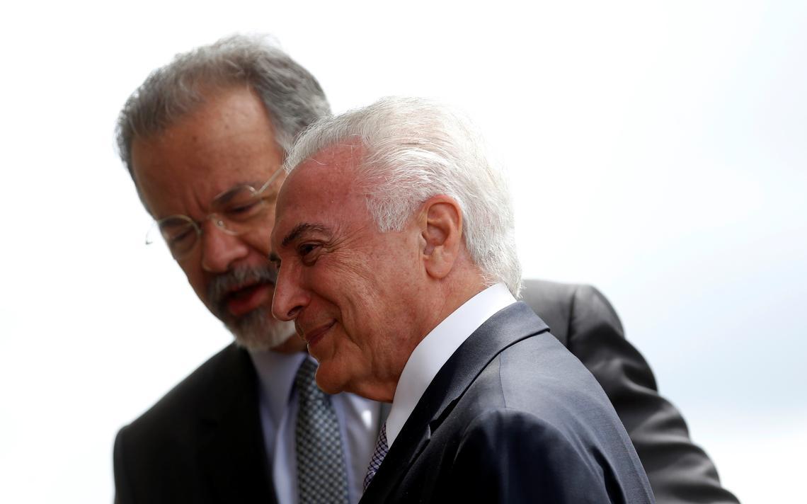 Michel Temer e Raul Jungmann durante cerimônia em Brasília