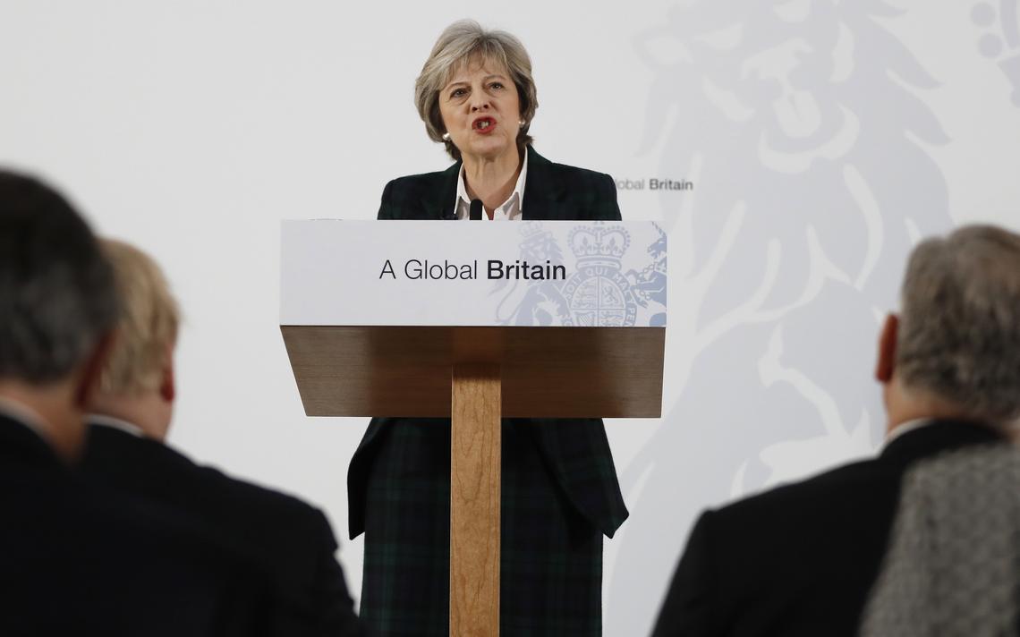 Theresa May discursa em Londres
