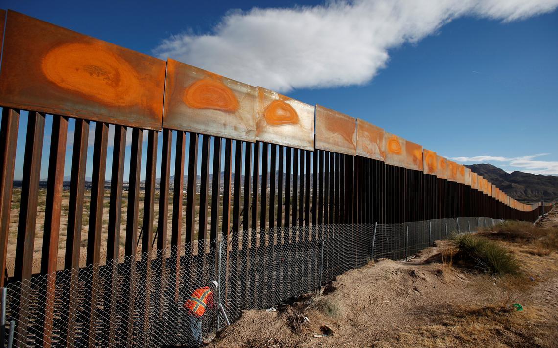 Muro na fronteira
