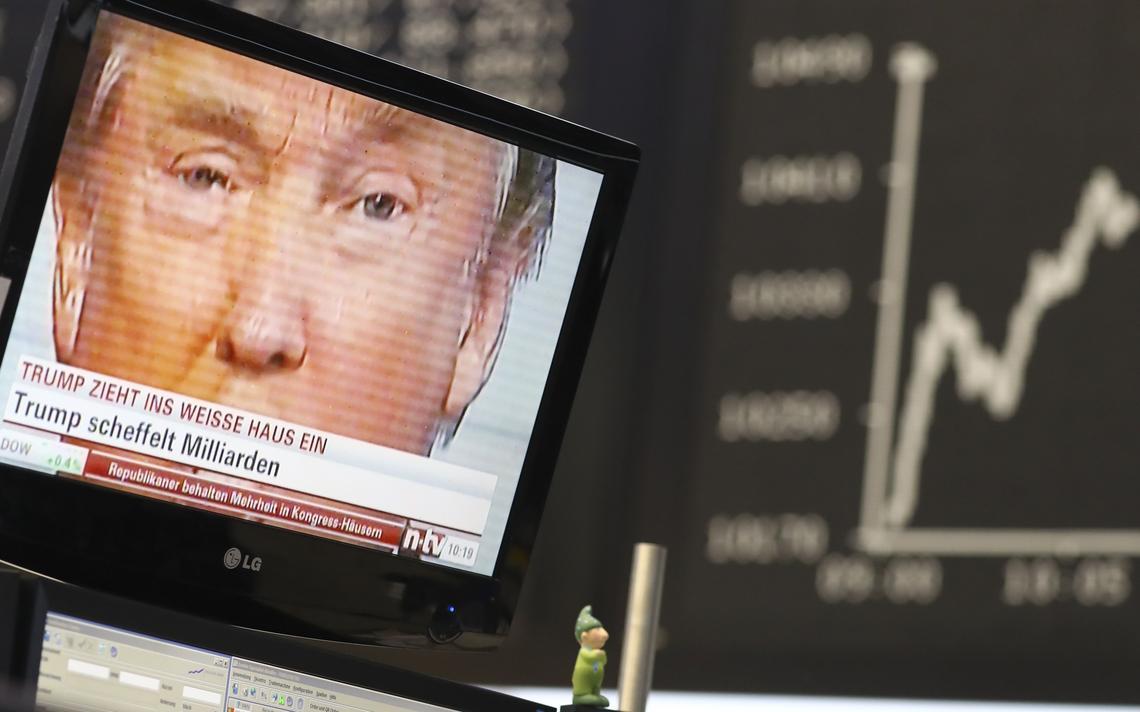 Trump aparece fazendo discurso em televisão da bolsa de Frankfurt