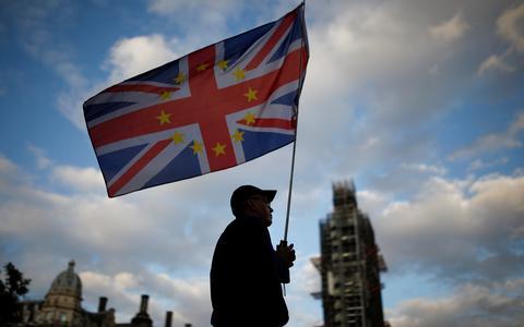 Brexit concretizado, mortes por chuvas: você entendeu a semana?