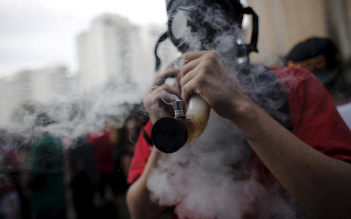 Lei de Drogas: a distinção entre usuário e traficante, o impacto nas prisões e o debate no país