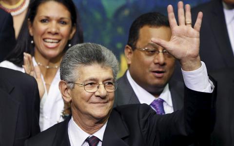 Chavismo e oposição, entre o choque e a tentativa de convivência