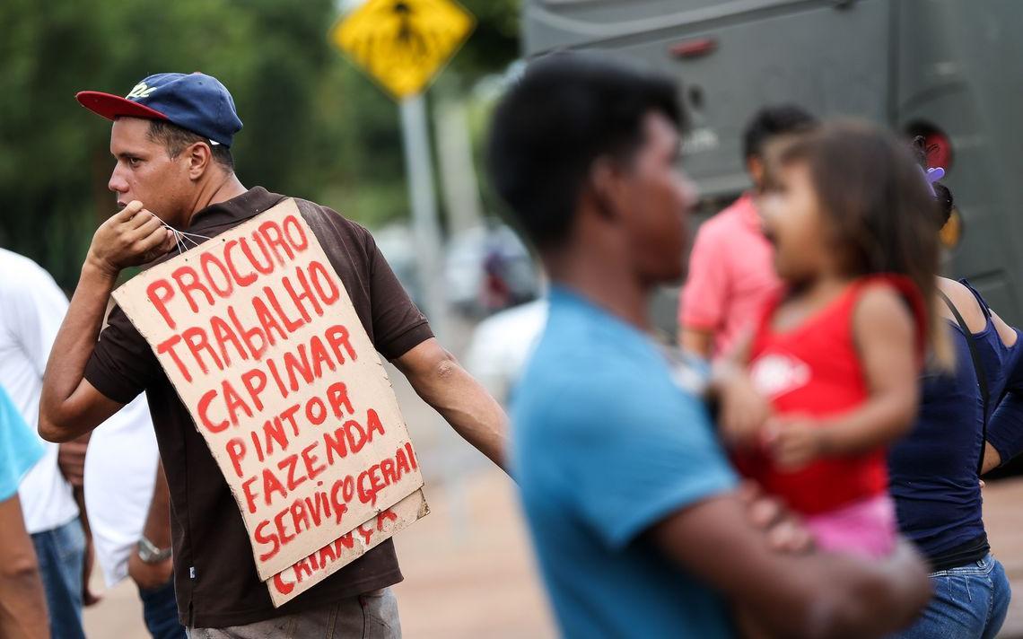 Venezuelanos são abrigados em instalações provisórias em Boa Vista, Roraima