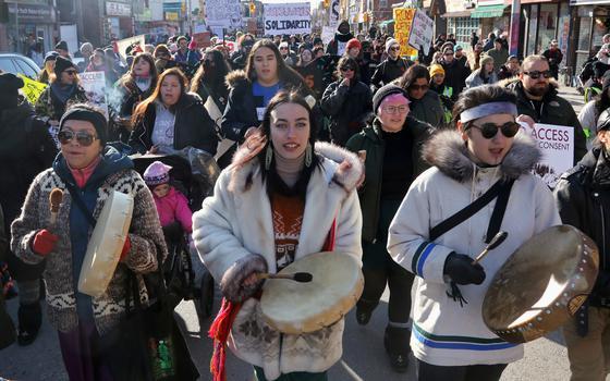 Como um gasoduto opõe Trudeau e indígenas no Canadá