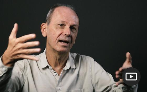 Drummond, poesia e mineração: entrevista com José Miguel Wisnik