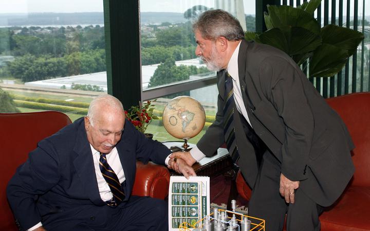 Antônio Carlos Magalhães visita o então presidente Lula no Palácio do Planalto