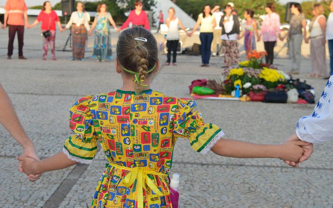 Ato em defesa da adoção na Praça dos Três Poderes, em Brasília