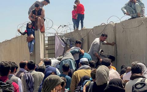 EUA e aliados debatem adiar retirada de tropas do Afeganistão