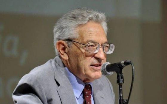 A importância de Alfredo Bosi no estudo da literatura brasileira