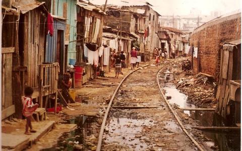 Os contornos da política na favela mais antiga de São Paulo