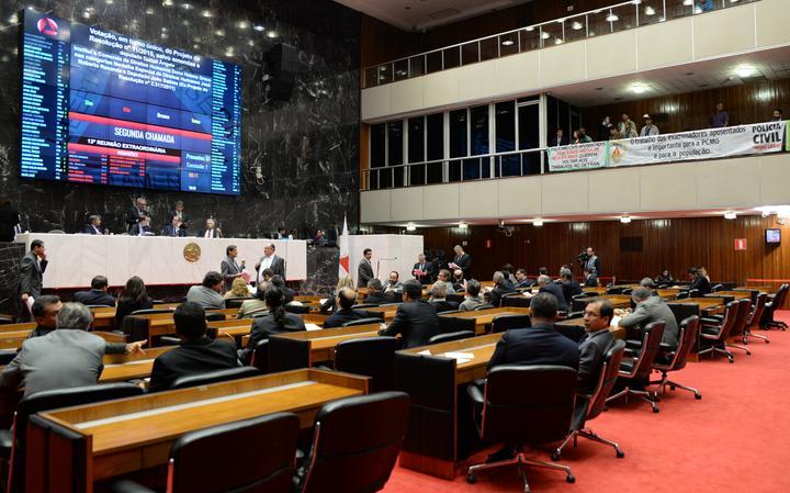 Deputados realizam sessão plenária na Assembleia Legislativa de Minas Gerais, que faz forte oposição ao governo estadual