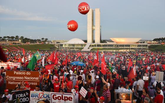 2 avaliações sobre o novo ato contra o impeachment de Dilma