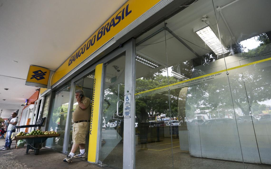 Banco do Brasil vai fechar 781 agências pelo país