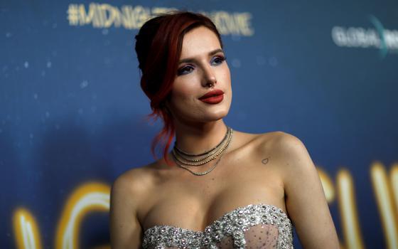 Por que cam girls estão revoltadas com uma ex-atriz da Disney