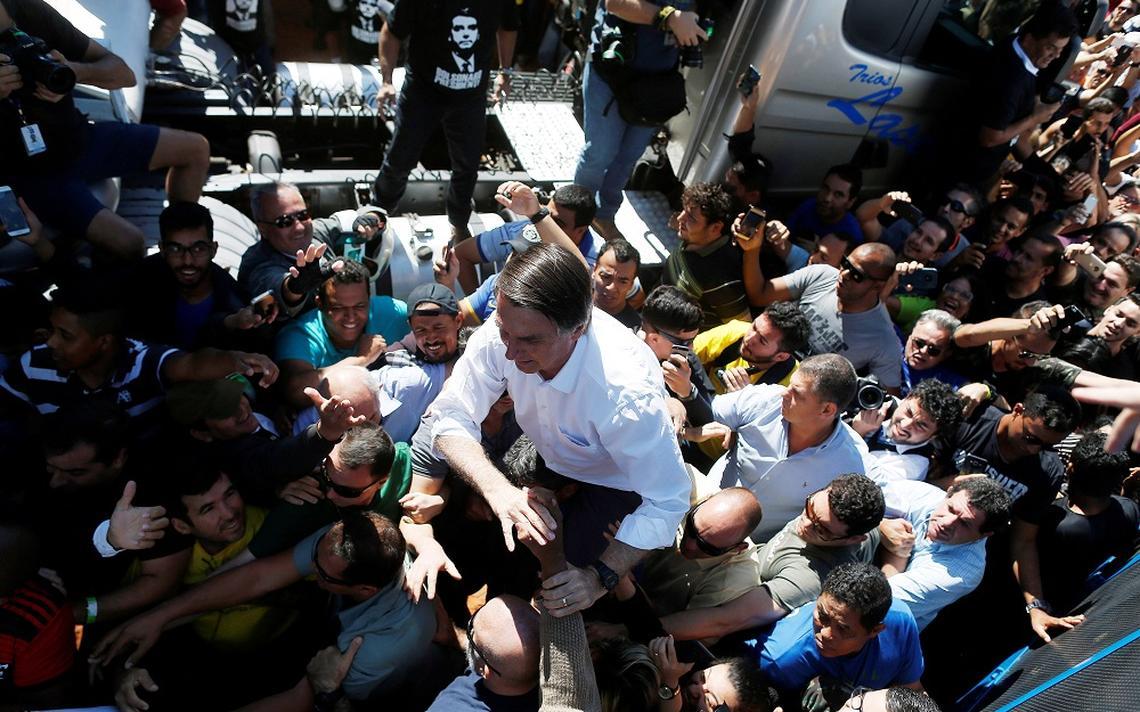 Jair Bolsonaro em campanha em Taguatinga (MG) em 5 de setembro de 2018