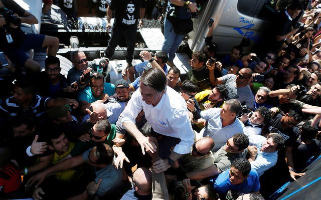 7b57f6062e Política desmistificada  O feminismo contra Bolsonaro. E a dimensão ...