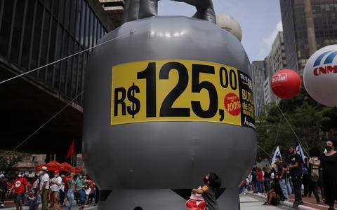 Senado aprova auxílio para compra de botijão de gás