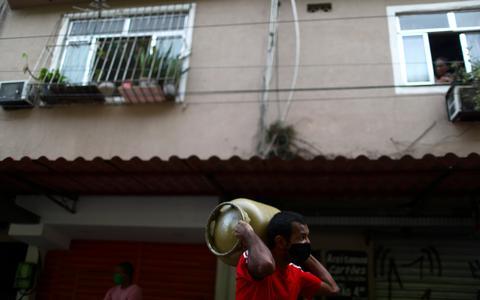 Preço médio do gás de cozinha no país ultrapassa R$ 100