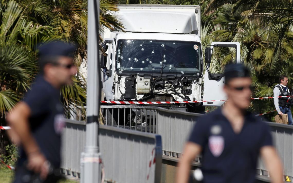 Veículo foi utilizado para atropelar pessoas em Nice, na França, durante festa nacional
