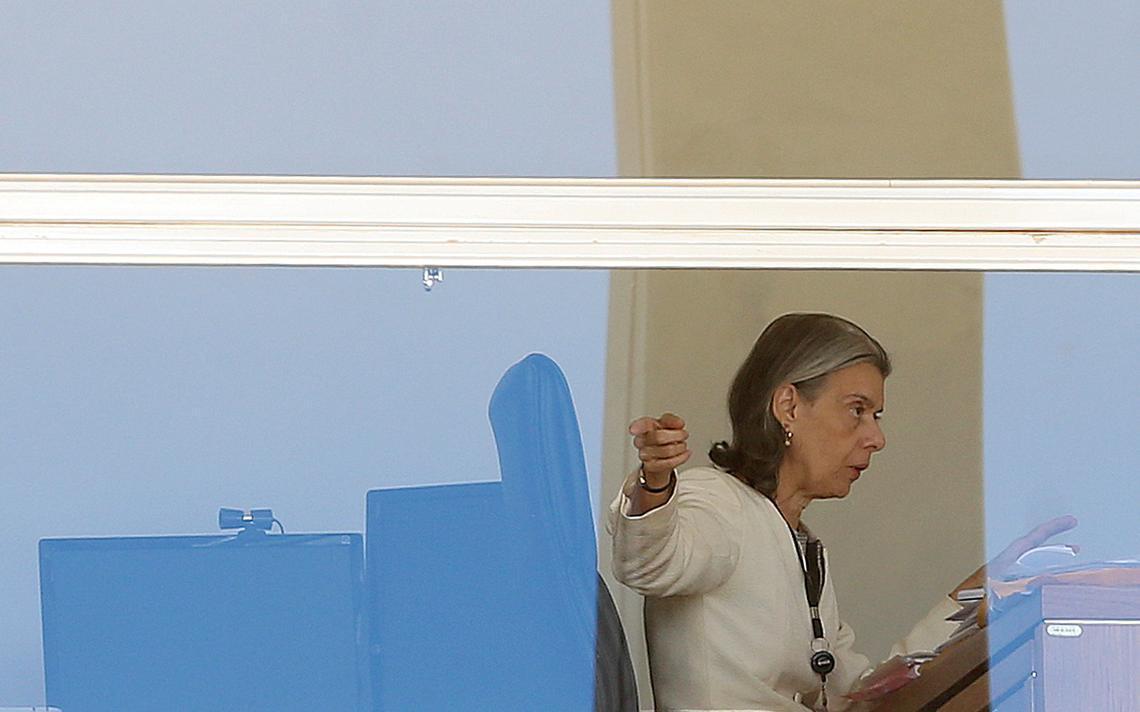 Cármen Lúcia despacha em seu gabinete no Supremo