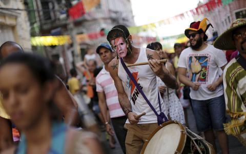 'Mamãe eu quero', 'Cabeleira do Zezé'e 'Me dá um dinheiro aí'. O direito autoral no Carnaval