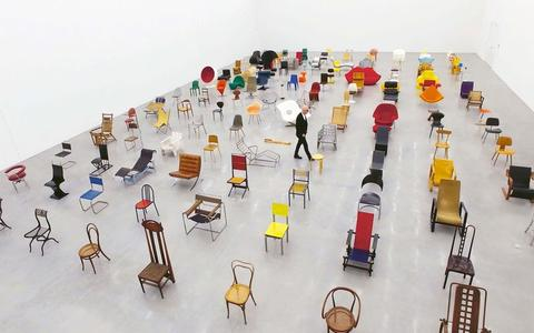 Um documentário sobre a evolução das cadeiras ao longo do tempo