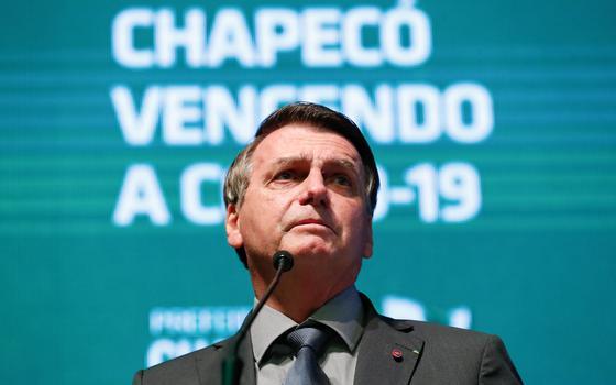 As respostas de Bolsonaro diante de 5 recordes da covidem 2021