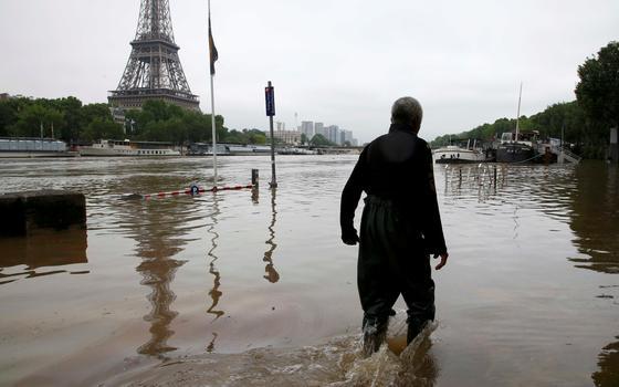 Ameaça de enchente: como foi a ação que removeu obras no Louvre