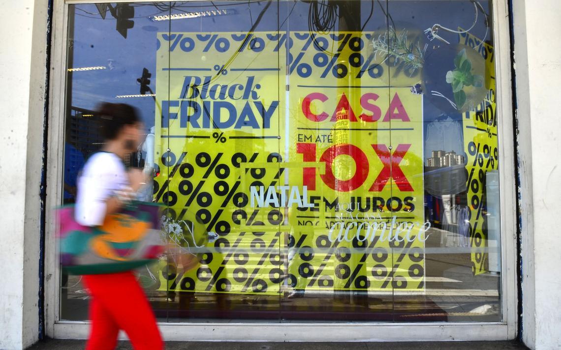 Vitrine de loja na Zona Oeste de São Paulo
