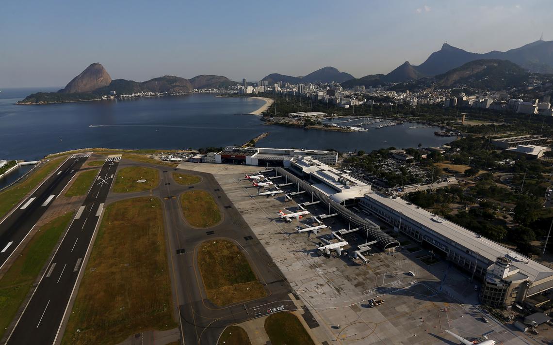 Vista aérea do aeroporto Santos Dumont, no Rio de Janeiro