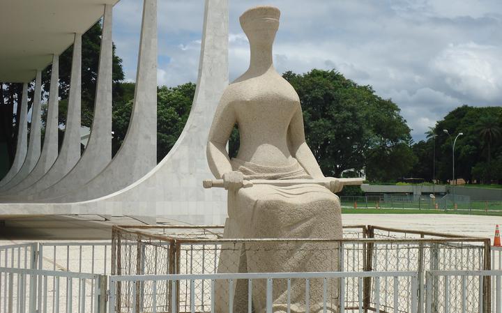 Estátua da Justiça, em frente ao ]Supremo Tribunal Federal, em Brasília