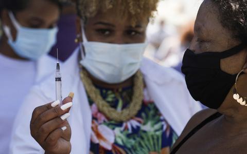 Qual o futuro da Coronavac após sustentar a vacinação no país