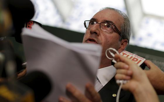 O que fez Cunha aceitar pedido de impeachment de Dilma agora