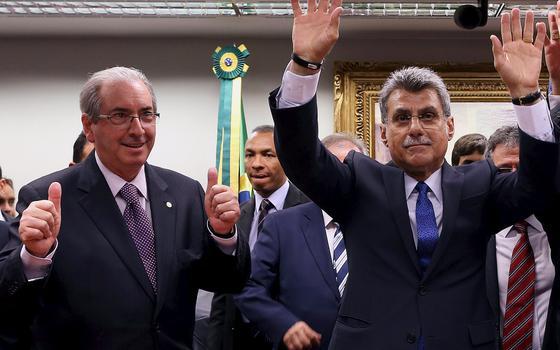 Duas opiniões sobre a saída do PMDB da base aliada do governo Dilma