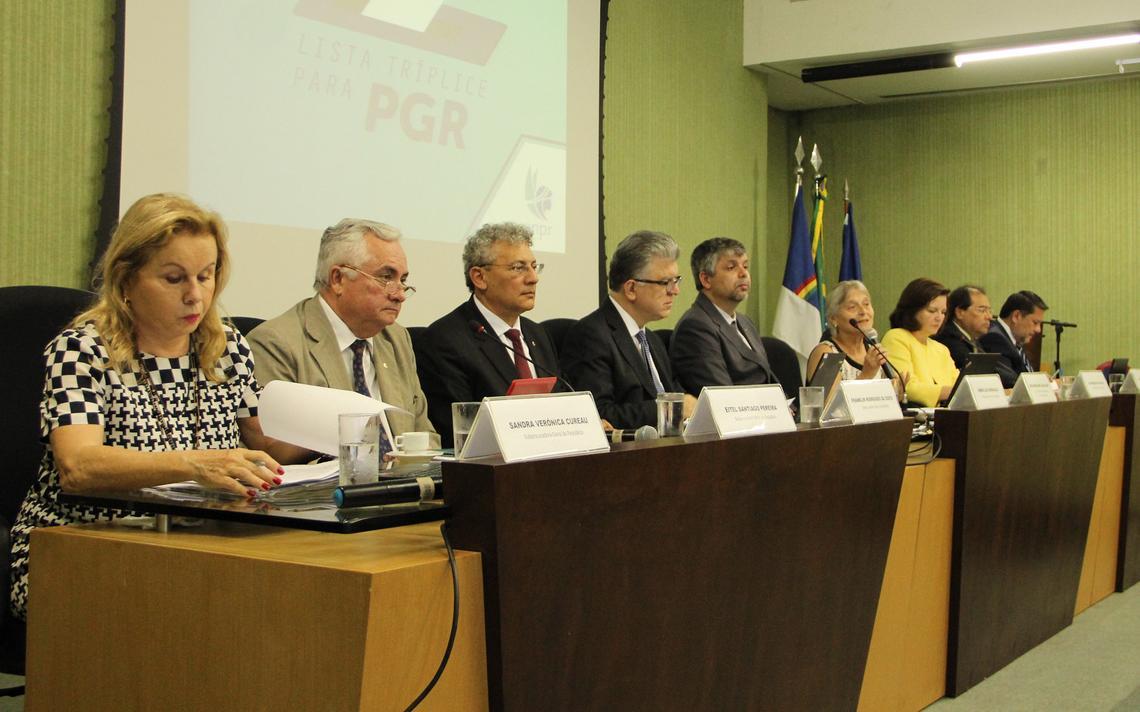 debate-candidatos-PGR.jpg