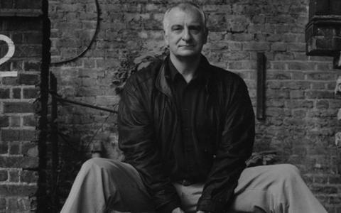 O que você sabe sobre Douglas Adams? Faça o teste