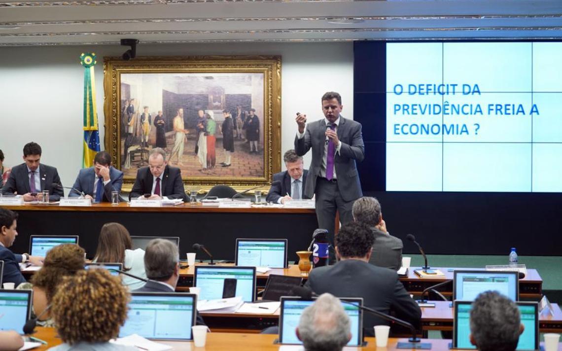 Eduardo Moreira é um crítico do diagnóstico e da reforma do governo