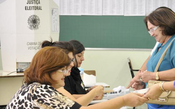 Como o ato de ir à urna e votar evoluiu no Brasil desde a década de 1940