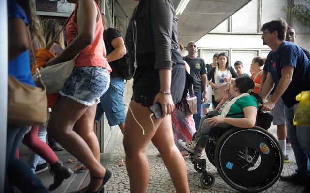 Candidatos chegam para a prova do Enem no Rio de Janeiro em 2015