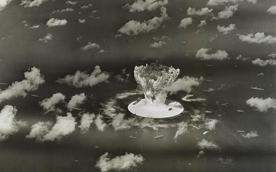 Há 70 anos os EUA lançavam a primeira bomba atômica sobre Bikini. O que sobrou hoje