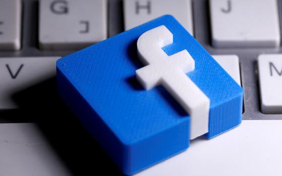 A ex-funcionária que implica o Facebook em manipulações políticas