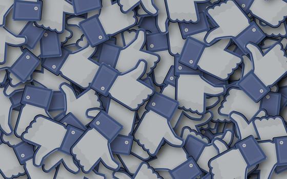 A simulação de um mundo sem pandemia em grupos de Facebook